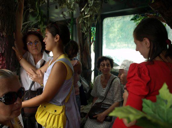 Spectacle dans un bus, transformation d'un bus urbain