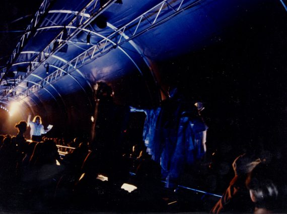 spectacle dans un tunnel