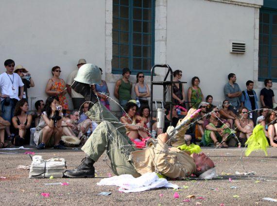 show street theater art spectacle rue ilotopie